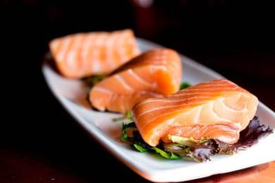 Salmon omega3 white plate