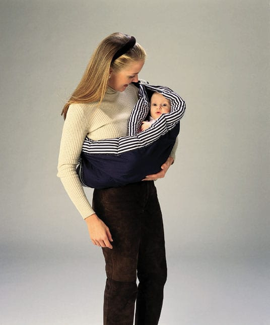cradle carry in babysling