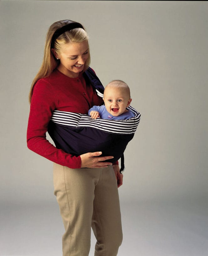 side carry infant in babysling